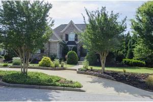 22 Norman Pl, Greenville, SC 29615