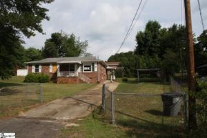32 Maxie Ave, Greenville, SC 29611