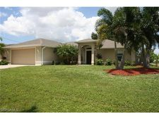 615 Nw 2nd Ter, Cape Coral, FL 33993