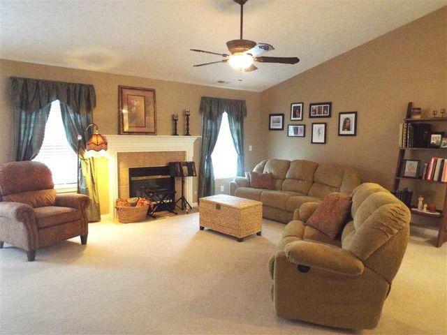 10315 Clippinger Rd, Evansville, IN 47725