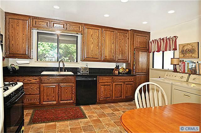 6742 e los arcos st long beach ca 90815 for Kitchen cabinets 90808