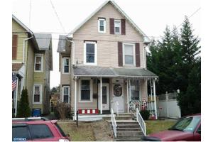 239 S Wyomissing Ave, Shillington, PA 19607