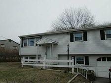 16 Hickory Dr, Montville, CT 06370