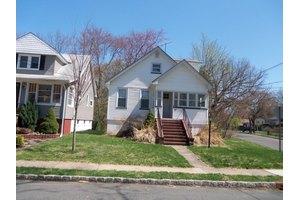 77 S Maple Ave, Springfield Twp., NJ 07081