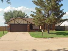 805 Sw 27th St, Moore, OK 73160