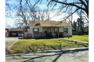 215 Spence St, Kerrville, TX 78028