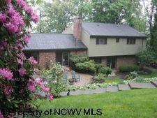 793 S Hills Dr, Morgantown, WV 26501