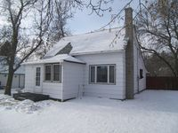 14 1st St NW, Dunseith, ND 58329