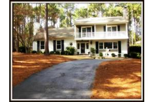 155 Halcyon Dr, Southern Pines, NC 28387
