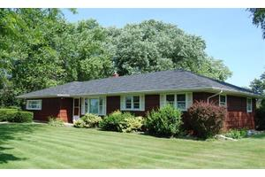 4210 W 61st Ave, Hobart, IN 46342