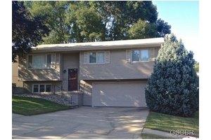 1317 Winona Ct, Sioux City, IA 51104