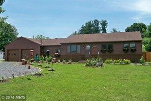 322 Baker Rd, Martinsburg, WV 25405