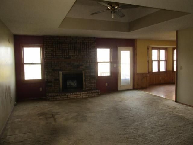 3419 W Camelot St, Springfield, MO 65807