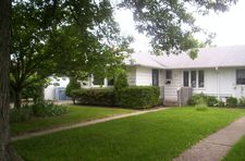 8946 S Beck Pl, Hometown, IL 60456