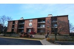 720 Weidner Rd Apt 107, Buffalo Grove, IL 60089