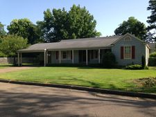 225 Cypress Ave, Clarksdale, MS 38614