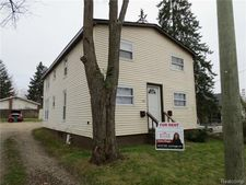 39 Heights Rd, Orion Township, MI 48362