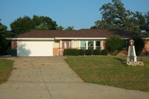 10801 Knoxville Rd, Milan, IL 61264