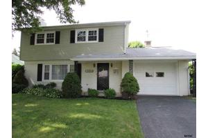 3460 Sycamore Rd, Dover, PA 17315