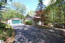 5812 Lakeview Rd, Rose City, MI 48654