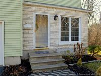 19 Mansfield Ave, West Hartford, CT 06117