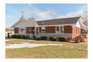 819 Luther Ln, Chicago Heights, IL 60411
