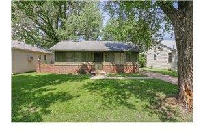 1707 N Old Manor Rd, Wichita, KS 67208