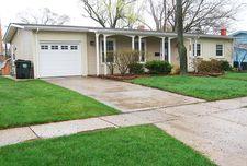 414 Lakeview Dr, Mundelein, IL 60060