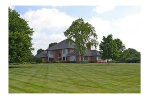 11090 Queens Way Cir, Carmel, IN 46032