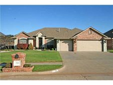 700 N Caddell Way, Mustang, OK 73064