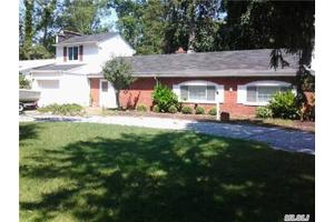 29 and 31 Featherbed Ln, Oakdale, NY 11769