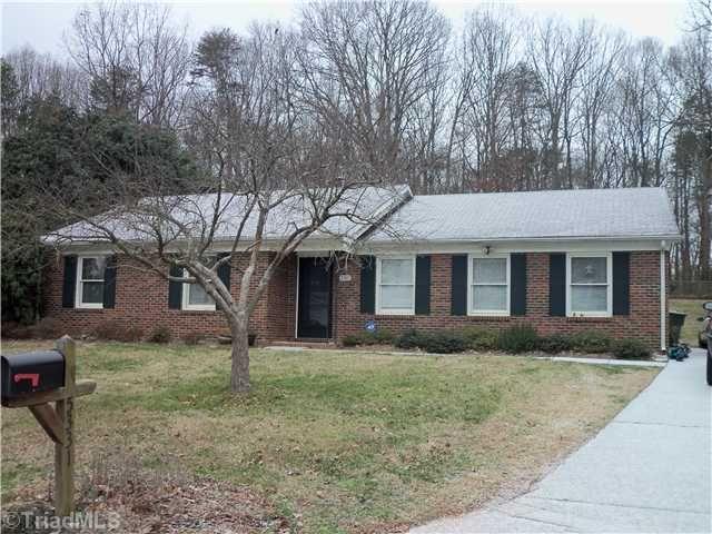 5331 Summerwood Dr, Greensboro, NC 27455