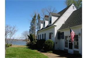 4 S Cove Ln, Essex, CT 06426