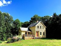 140 Middle Rd, Edgecomb, ME 04556