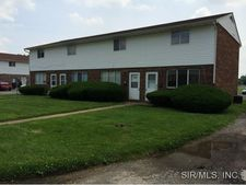652 Charles Ave, Wood River, IL 62095