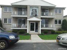 100 Churchcroft Ln, Amherst, NY 14221