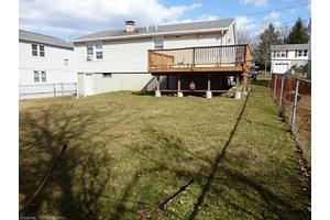 9 High Top Cir E, Hamden, CT 06514