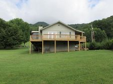 641 Red Maple Dr, Waynesville, NC 28785