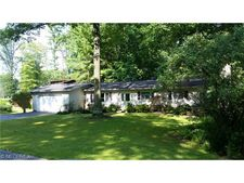 379 Jefferson Pt, Roaming Shores, OH 44084