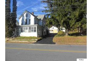 404 S Main St, Gloversville, NY 12078