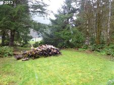 9857 Beach Dr, Birkenfeld, OR 97016