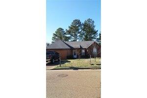 1361 Lagrange Downs Rd, Cordova, TN 38018