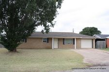 102 Liberty Circle Dr, Walters, OK 73572