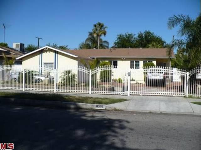 8508 Noble Ave, North Hills, CA 91343