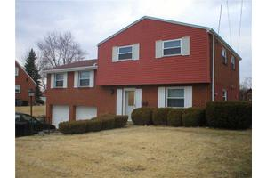 313 Fernledge Dr, New Kensington, PA 15068