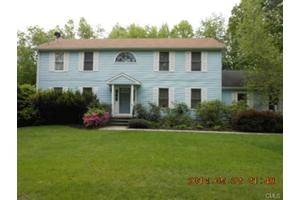 19 Forty Acre Mountain Rd, Danbury, CT 06811