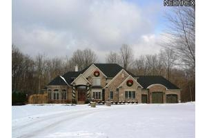 24752 Eagle Pointe, Columbia Station, OH 44028
