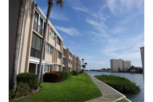 7465 Bay Island Dr S Apt 212, South Pasadena, FL 33707