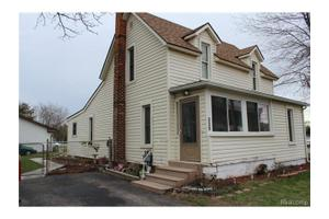 339 McMunn St, South Lyon, MI 48178