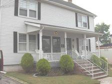58 Spring St, Oyster Bay, NY 11771